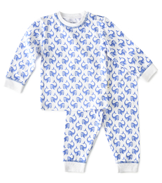 baby pyjama wit met blauwe walvis print Little Label